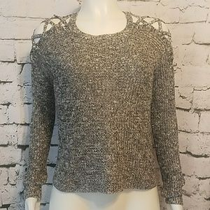 Cloud Chaser Laced cold shoulder light sweater XS